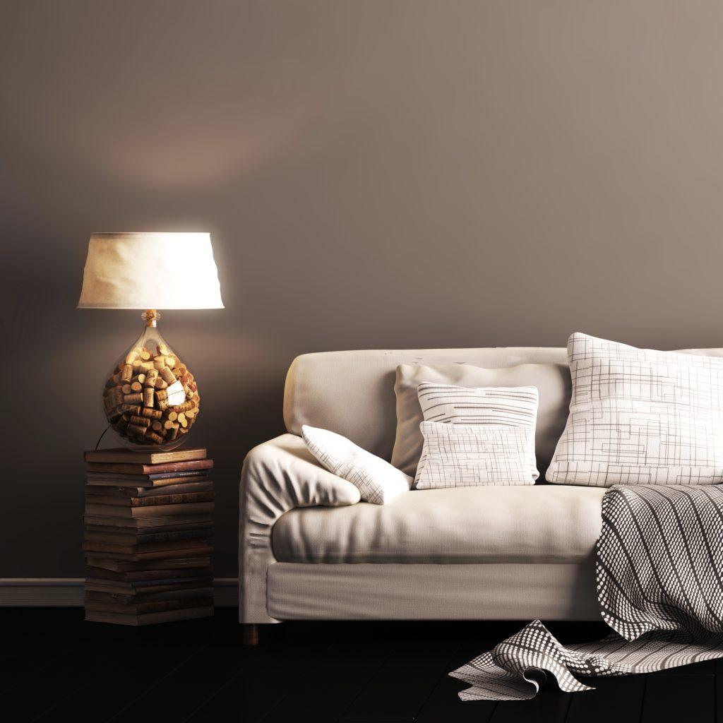 Couch mit Stehlampe
