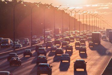 Autos auf einer Autobahn