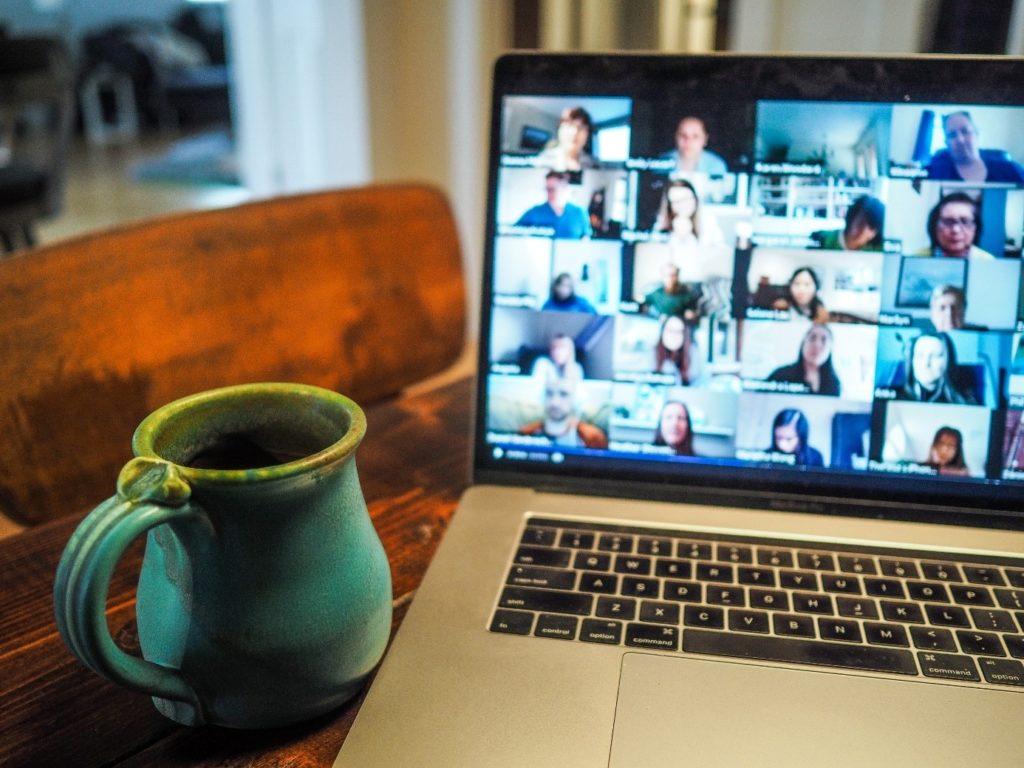 Laptop mit Videochat