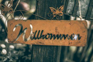 Schild 'Willkommen'